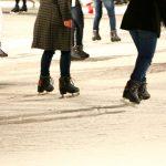 スケートの服装と持ち物 リンクでの滑り方のコツも解説